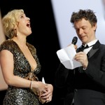 Kate Winslet éclate de rire à la lecture du poème de Michel Gondry.