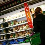 Les grandes surfaces proposent de plus en plus de produits et de plats cuisinés halal.