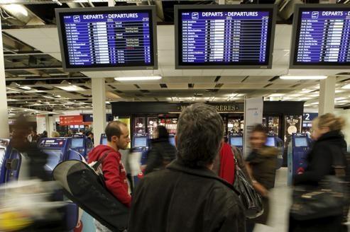 Grève à Air France dans le terminal Ouest d'Orly en novembre 2011