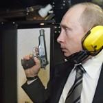 Poutine lors de sa visite aux services de renseignements.