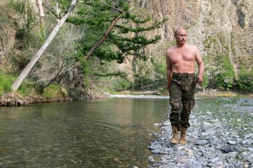Les clichés des vacances du président en Sibérie en 2007 firent sensation, rêvelant au monde entier la forme physique de Vladimir Poutine.
