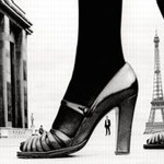 «Chaussure et tour Eiffel pour Stern», 1974, par Frank Horvat.