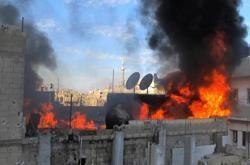 Le 22 février au matin, un pilonnage d'artillerie de l'armée syrienne a frappé le bâtiment dans lequel se trouvaient les journalistes.