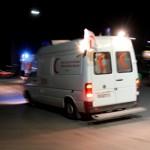 L'une des ambulances transportant les corps des journalistes.