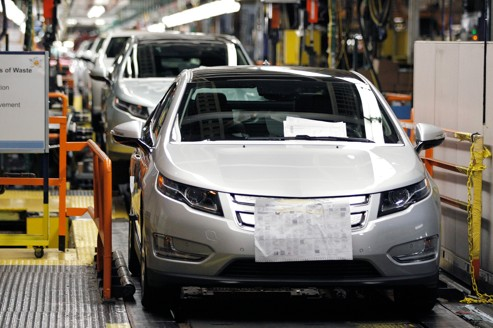 GM suspend la production de sa Volt électrique