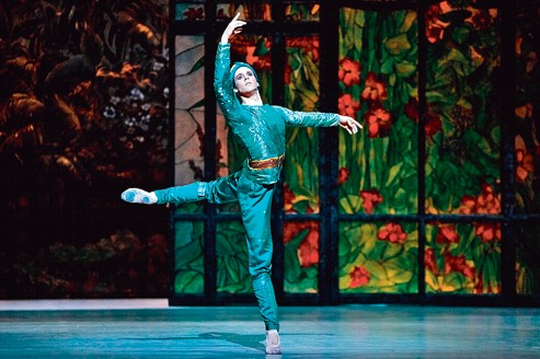 Josua Hoffalt, nouveau danseur étoile