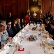 Fillon déjeune avec les femmes ministres