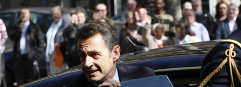 Sarkozy associé à une Porsche et Hollande à un Scénic