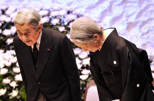 L'empereur Akihito et son épouse Michiko.