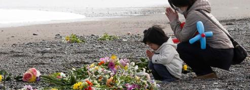 Un an apr�s le tsunami, <br/>le Japon se recueille