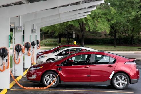 Les voitures électriques cherchent à convaincre