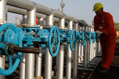 L'envolée du pétrole menace de nouveau la reprise