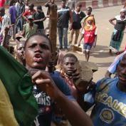 La guerre civile enfle dans le nord du Mali