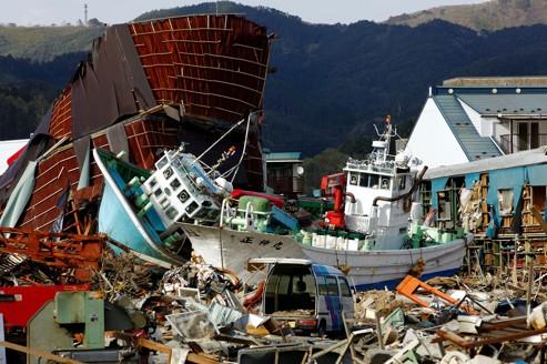 Japon : un travail de titan pour effacer le chaos