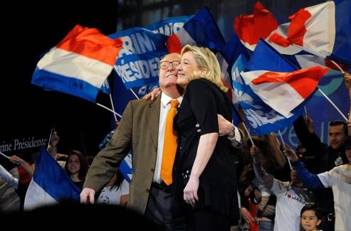 Jean-Marie et Marine Le Pen, à Marseille.