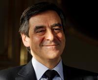 Pour Fillon, la taxe des très hauts revenus proposée par Hollande est «sûrement inconstitutionnelle» et «non efficace».