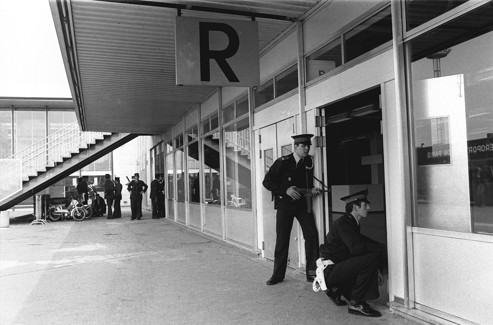 Police intervention at Orly, 20 May 1978.