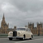 Cameron baisse les impôts des plus riches