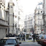 Attentat à Paris: trois hommes recherchés