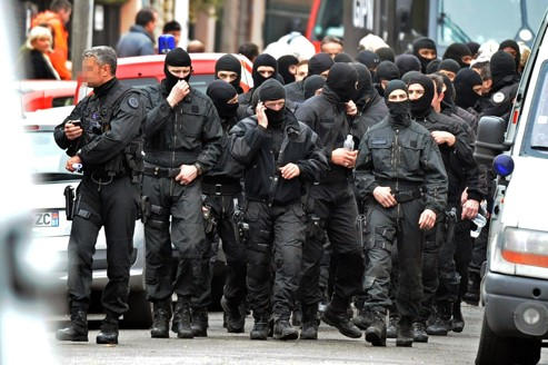 Merah … pourquoi le RAID n'a pas utilisé des grenades lacrymogènes? dans Non classé ed61879c-7449-11e1-97d7-3b2e2e7da35f-493x328