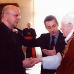 Nicolas Sarkozy présente Patrick Buisson au Pape Benoît XVI le 20 décembre 2007, jours du discours de Latran.