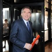 Bayrou, courtisé par l'UMP, garde son cap