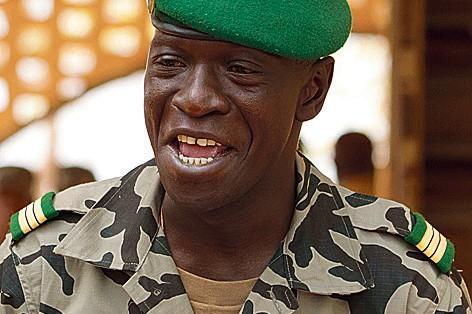 Mali : les putschistes tentent d'amadouer les pays voisins