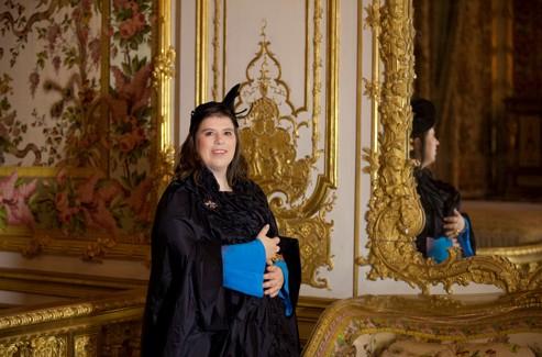 Joana Vasconcelos ne dévoile pas tous ses projets qui devraient chahuter Versailles en juin prochain. (Photo François Bouchon/ Le Figaro)
