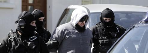 La garde à vue des islamistes arrêtés à nouveau prolongée