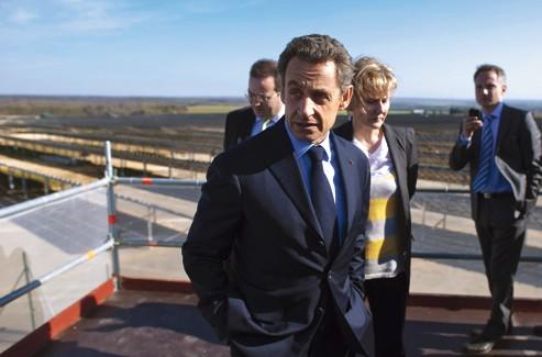 Nicolas Sarkozy, accompagné de Nadine Morano, a visité lundi la centrale photovoltaïque de Toul-Rosières, en Lorraine.