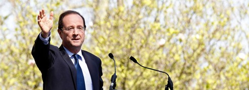 Hollande maintient l'écart avec Sarkozy au second tour