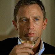 James Bond passe de la vodka-Martini à la bière