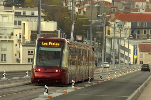 Alstom et le FSI volent au secours de Lohr Industrie