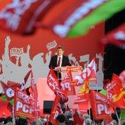 L'extrême gauche place Hollande sous surveillance