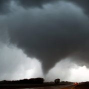 Les tornades frappent le centre des États-Unis