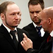 Les contacts de Breivik au cœur des débats