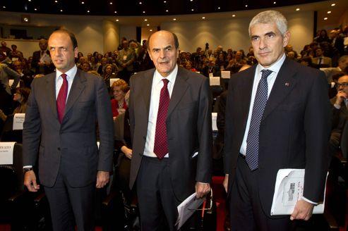 De gauche à droite: Angelino Alfano, du PDL, le parti de Berlusconi, Pierluigi Bersani, du Parti démocrate, et Pier Ferdinando Casini, du parti centriste UDC, le 18 novembre, à Rome.