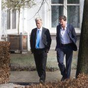 Aux Pays-Bas, la crise fait vaciller le pouvoir
