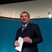 Bayrou veut «rebâtir une majorité centrale»