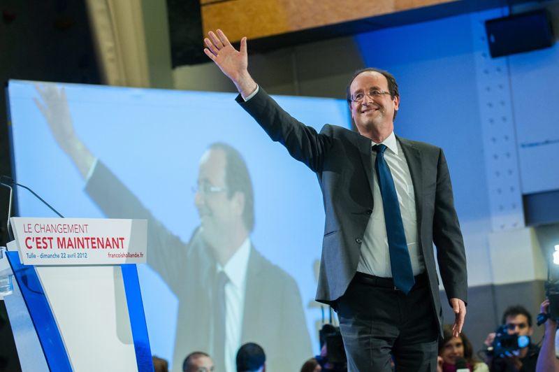 <strong>François Hollande.</strong> Sans trop de surprises, le candidat socialiste arrive en tête du premier tour de l'élection présidentielle avec 28,63% des suffrages. Mais par prudence, et en souvenir des cinq défaites consécutives du Parti Socialiste aux dernières élections présidentielles, François Hollande est resté serein. La victoire n'est pas encore acquise, et l'entre-deux tours sera le théâtre d'un combat acharné entre les deux prétendants à l'Elysée. Tout peut encore arriver. Toujours dans sa fameuse ligne de «constance», il a immédiatement refusé la proposition de plusieurs débats avant le 6 mai prochain, ce que l'UMP s'est empressé de qualifier d'une «nouvelle esquive».