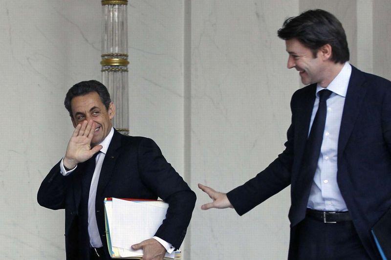<strong>Terrorisme intellectuel.</strong> François Baroin a dénoncé mercredi le «terrorisme intellectuel» dont fait preuve, selon lui, la presse de gauche vis-à-vis des appels de Nicolas Sarkozy aux électeurs du Front national. Le ministre des Finances fait référence à la Une du quotidien <i>Libération</i>, ce mercredi 25 avril, où l'on voit un portrait du président avec en sous titre: «Le Pen est compatible avec la République». L'électorat du FN s'impose comme l'épicentre du duel du second tour. La stratégie du camp présidentiel vis-à-vis du parti d'extrême droite a ravivé au sein de la majorité un débat sur «les lignes rouges» à ne pas franchir et repose la question d'éventuelles tractations pour les législatives.
