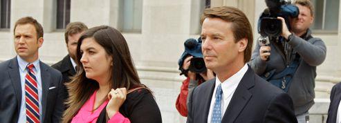 John Edwards jugé pour détournement de fonds