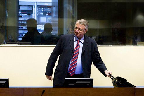 Au TPI, Vojislav Seselj joue la provocation