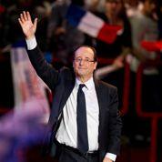 Hollande intensifie ses attaques