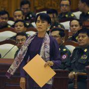 Aung San Suu Kyi entre au Parlement