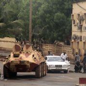 L'armée malienne se bat à Bamako