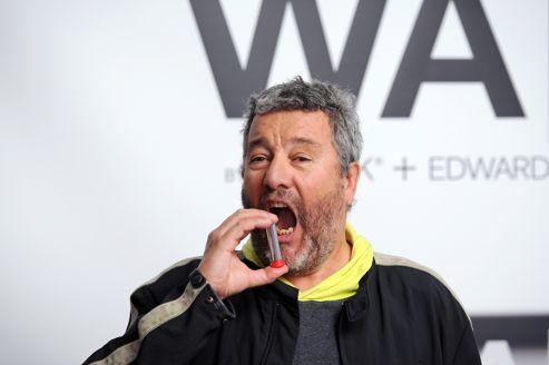 Le designer français Philippe Starck a mis au point avec le professeur de Harvard David Edwards un spray censé procurer la sensation d'ivresse sans boire une goutte d'alcool.