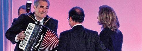 Une Vie en rose pour François Hollande