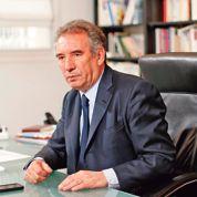 Défié par l'UMP, Bayrou risque son siège
