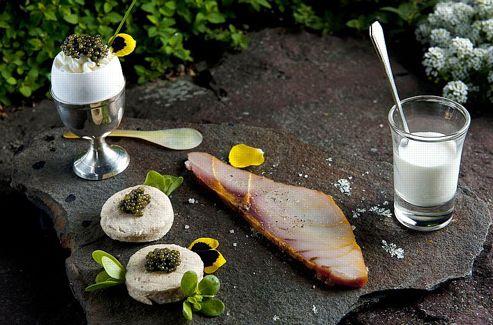 Un oeuf au caviar Ossetra.